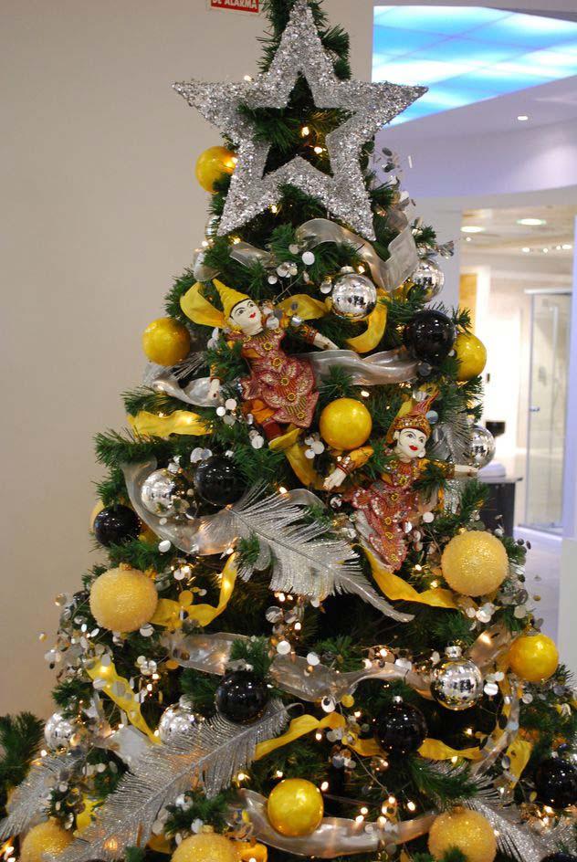 Alquiler de arboles de navidad para empresas - Arboles de navidad de chuches ...